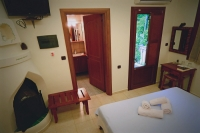 Julia, Rastoni Guesthouse, Pelio, hotels, rooms, accommodation, Vyzitsa, Milies, Greece